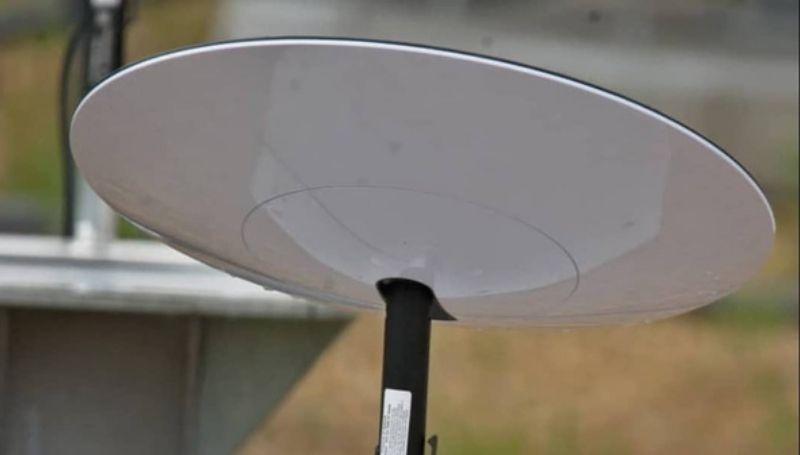 ilustrasi internet satelit